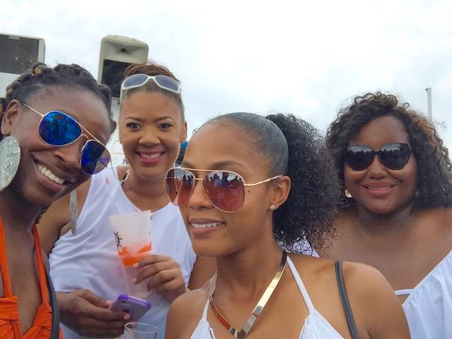Booze Cruise: Tiny Bubbles